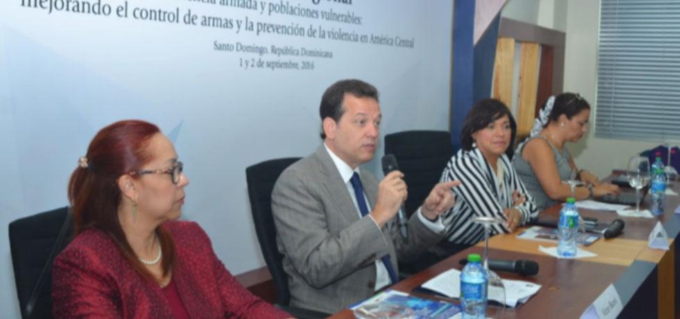 """Conferencia: """"Violencia armada y poblaciones vulnerables: Mejorando el control de armas y a prevención de la violencia en América Central"""""""